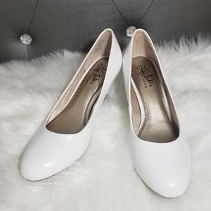 Life stride White comfortable heels